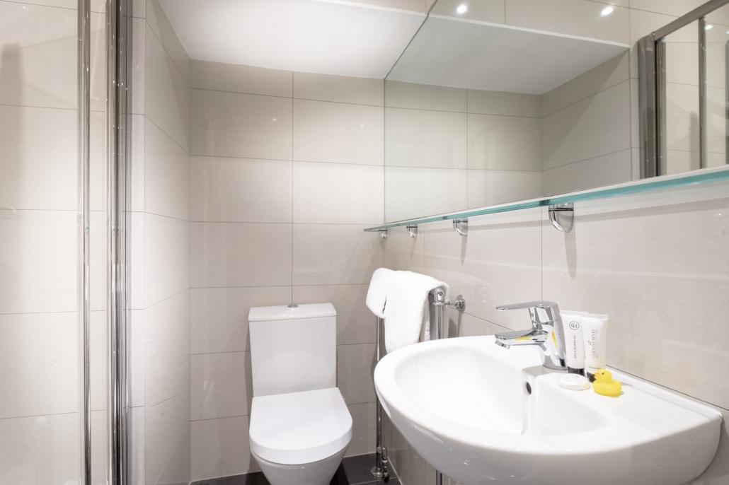 Room 7 bathroom at the Edgar Townhouse in Bath