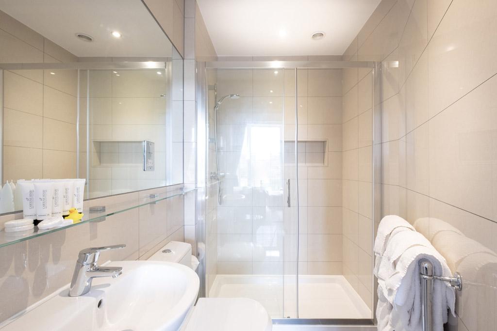a bathroom at the Edgar Townhouse in Bath
